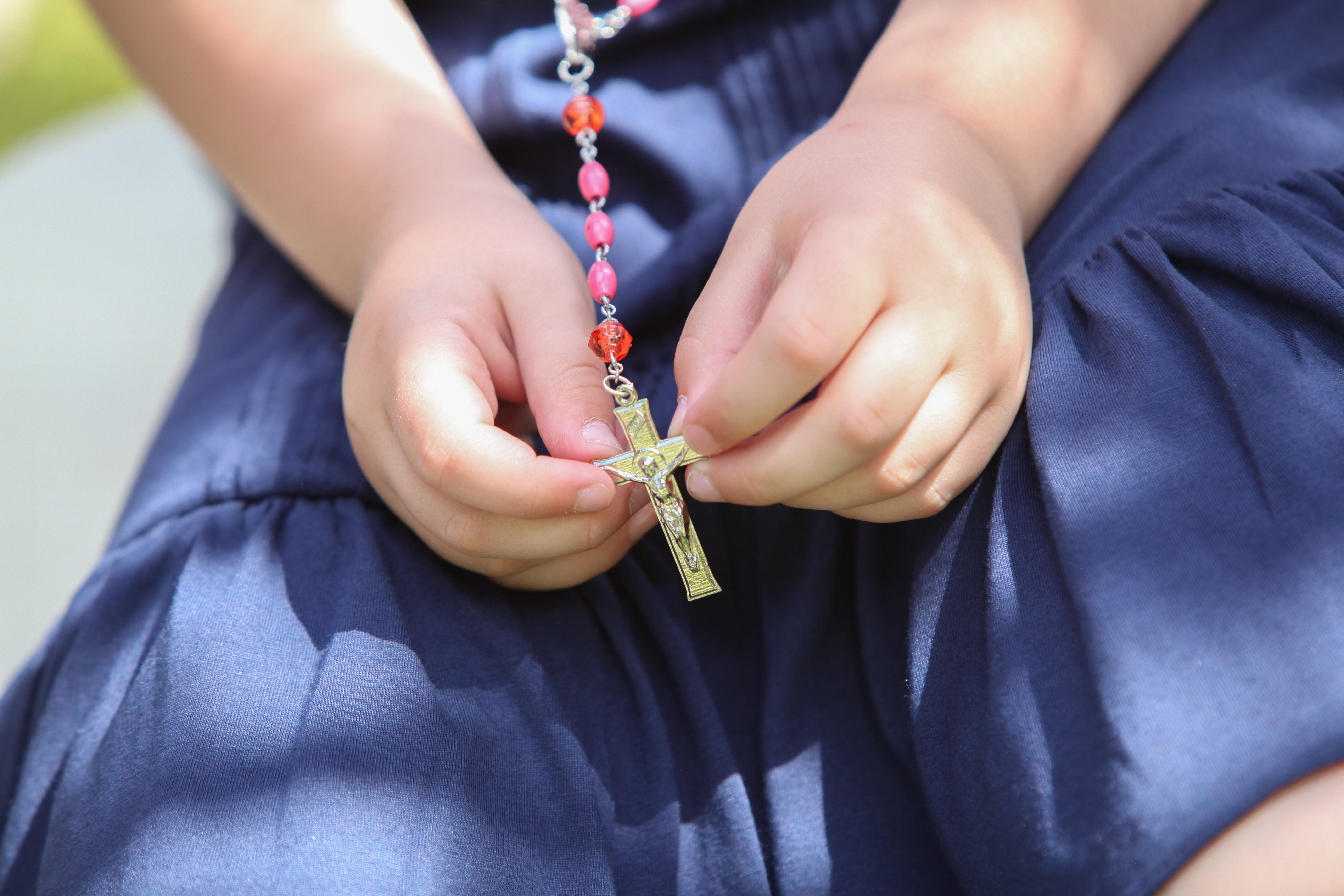 2014-6-6-AnniversaryMass-pink rosary