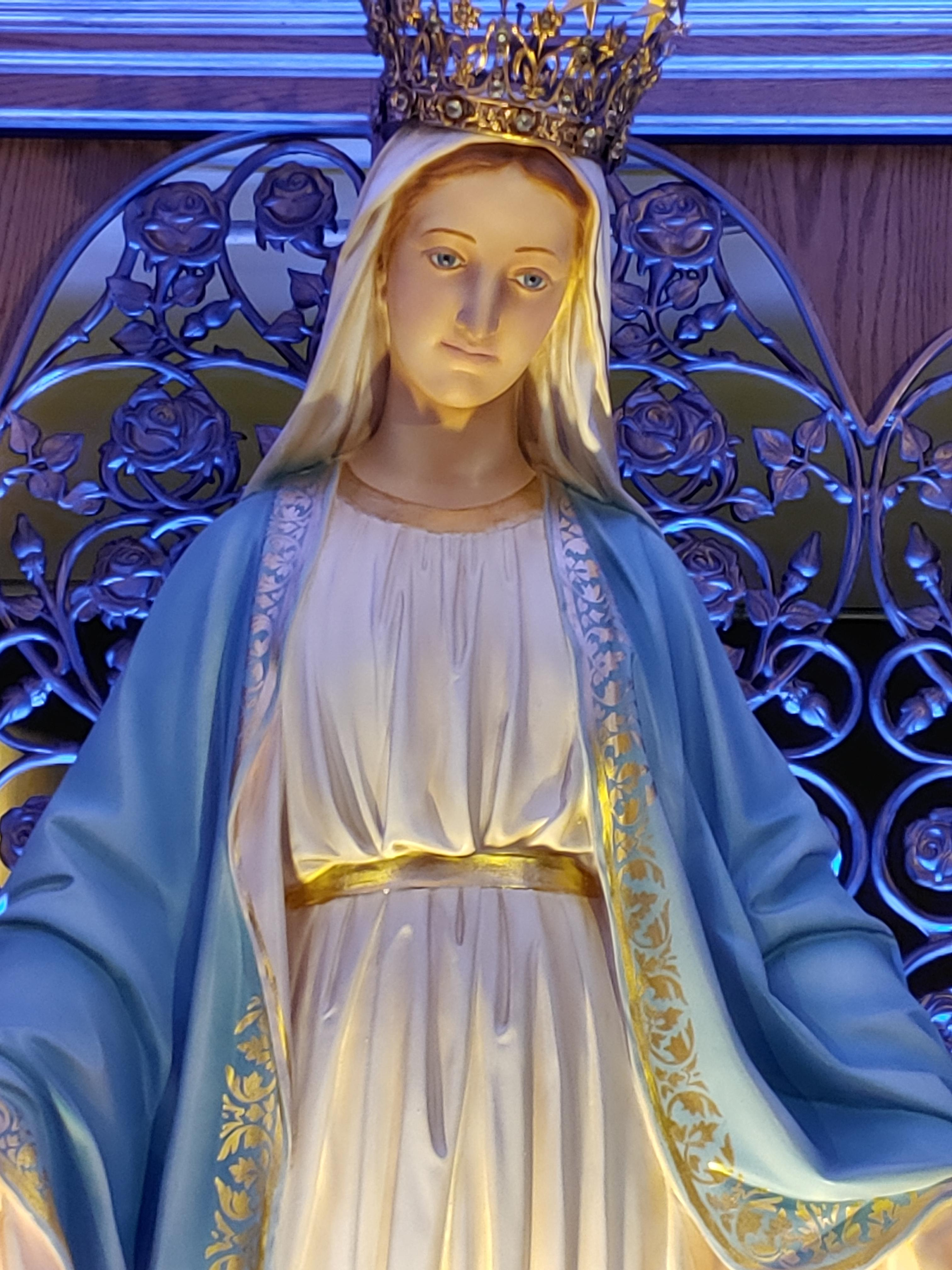 statue of the Blessed Mother