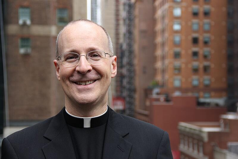 """""""Vatican Appoints Fr. James Martin, SJ and Michael Warsaw to Secretariat of Communications"""" (CatholicMom.com)"""