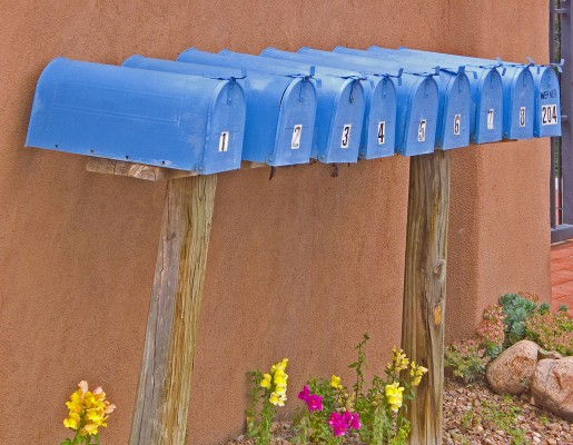 1280px-Blue_Mailboxes_(3597678139)