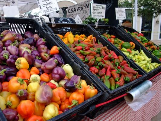 """""""Ripe Farmer's Market at Eilan"""" by Vitamin G (2013) via Flickr."""