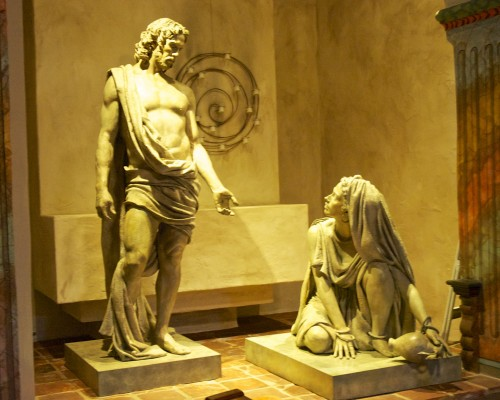 Alcove sculptures