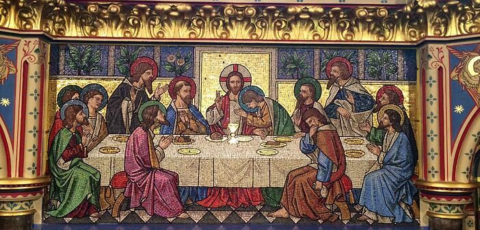 """""""Depiction of the Last Supper as a glass mosaic reredos within All Saints' Church, Reading, UK 2014-07-07 23-07"""" by User:HaloHoney - Own work. Licensed under CC BY-SA 3.0 via Wikimedia Commons."""