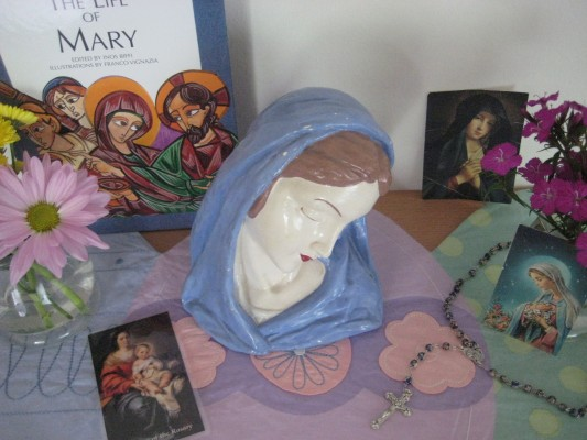 Five Simple Ways to Invite Mary Into Your Heart, Your Home, Your Family