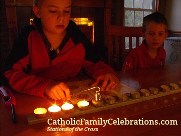 """""""This Year, PAUSE with Your Family for Lent"""" by Tami Kiser (CatholicMom.com)"""