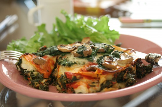 Vegan_mushroom_and_spinach_lasagna