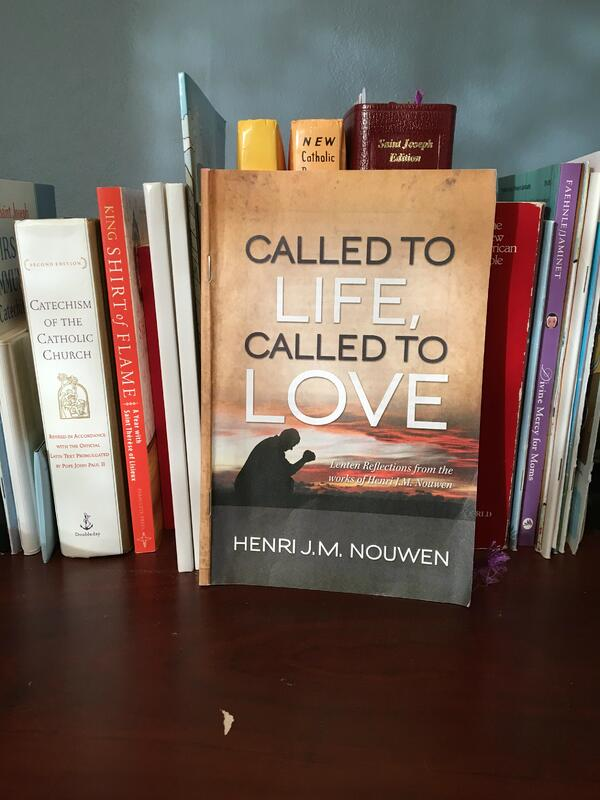 """What's on Your Lenten Bookshelf?"" by Lindsay Schlegel (CatholicMom.com)"