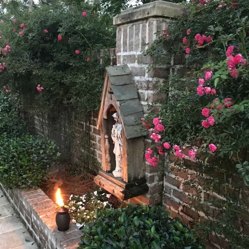 """""""Consecrating Myself to Mary Changed My Life, and It Can Change Yours, Too"""" by Judy Klein (CatholicMom.com)"""