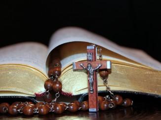 """""""A Living Rosary"""" by Teresa Hurst for CatholicMom.com"""