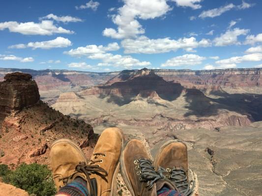 feet-over-cedar-ridge