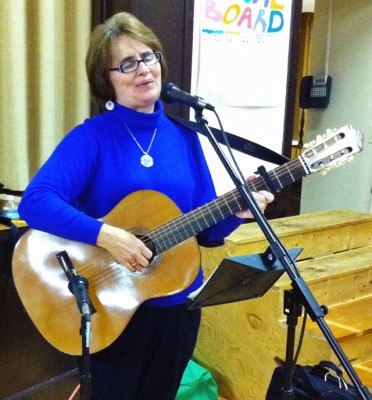 sue-with-classical-guitar-cropped