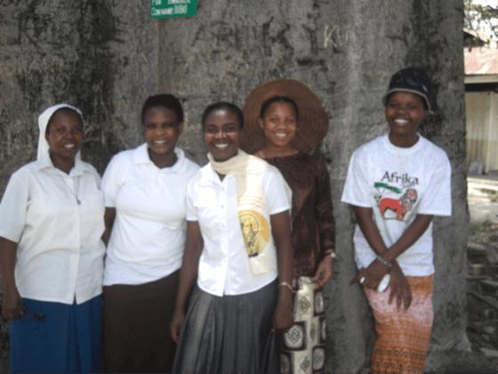 Sr.  Caroline, Mercyline, Edreen, Rose Mary and Emmanuela - Photo courtesy of Sr. Caroline, Paulines Africa