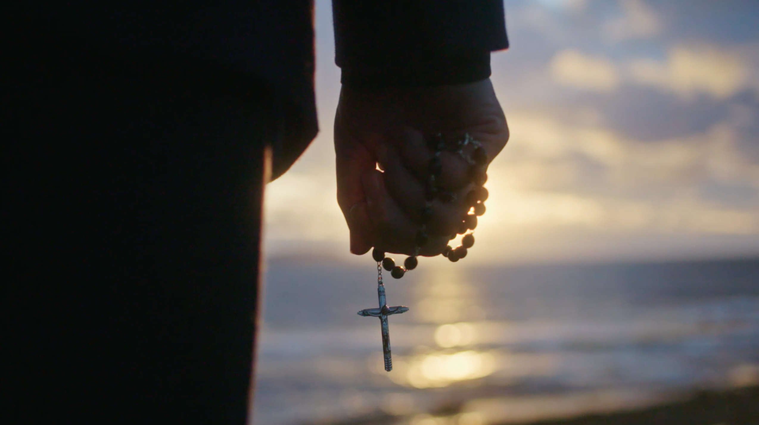 Peyton_Nephew Pat Peyton Rosary in hand 2_PRAY