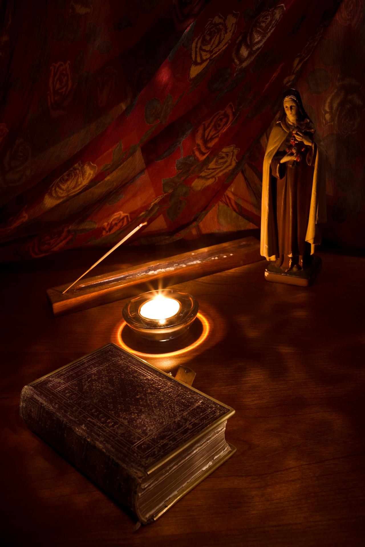 catholic-2220285_1920