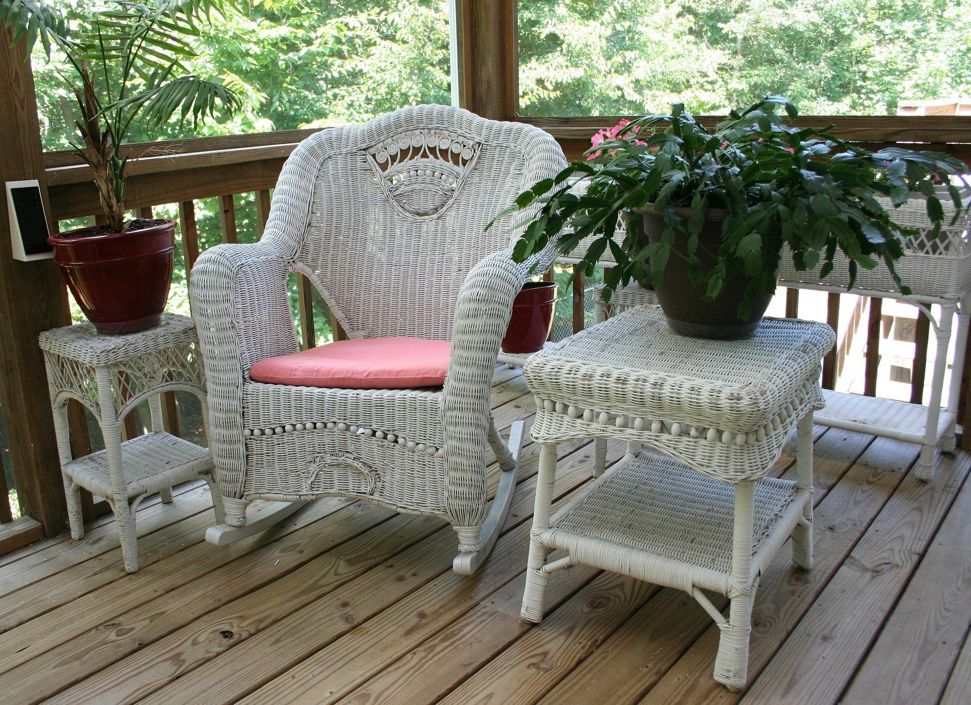 wicker-rocking-chair-50613_1920